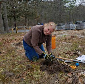 peggy_planting